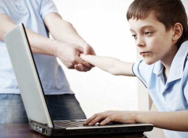 Blog: Εθισμός στο Διαδίκτυο
